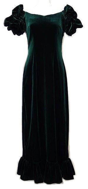 グリーンのベルベットドレス